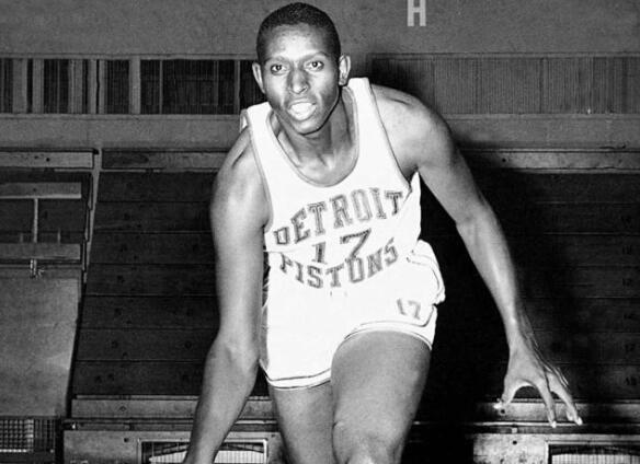 67年出生属什么_67年前的今天,首批黑人球员进入联盟