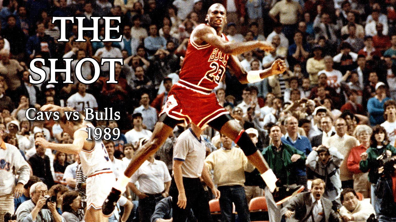"""【28年老店将 封门 市民排长队购买】28年前的今天,""""The Shot"""""""