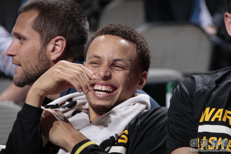 斯穆林|穆林赞库里:看NBA这么久,甚至没人能接近他