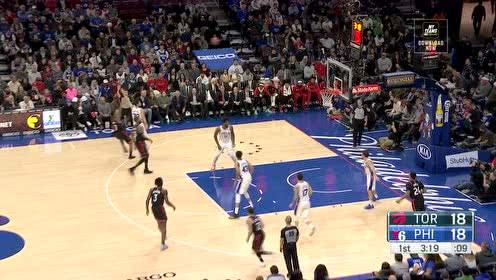 [得分]洛瑞直接飚出一记三分  逼抢断球一条龙反击上篮连续得分