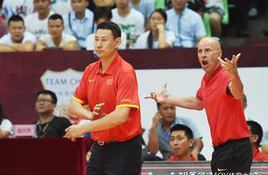 男篮比赛即将开打,00后小将能否带来惊喜,谁是李楠心中第12人?