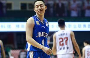 单场中5三分!又一名广东旧将在季后赛打出名堂 曾单场砍157分