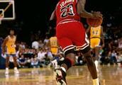 为什么乔丹数据不如詹姆斯,但是乔丹更得到大家认可,被称为篮球之神?