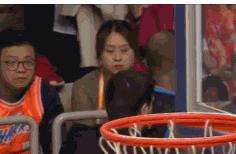 北京外援遭球迷侮辱性怒骂愤然离场 CBA球迷素质再被摆上台面