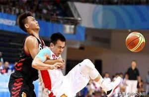 受到两任男篮主帅信任!面对广东却6投0中,与女友生活幸福