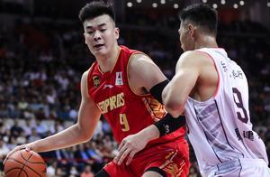 2米19国手:NBA球队的确看过我训练 北京队曾邀我加盟?我不清楚