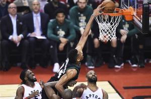 NBA现役5位攻防一体的外线球员,乔治入选,字母哥潜力很大