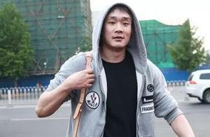 中国男篮众将集结,丁彦雨航身材恢复迅速,王哲林周琦打成一团