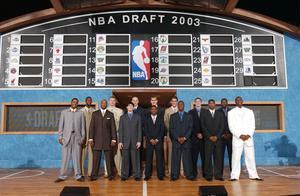 NBA人物志:掘金险些选中詹姆斯?揭秘2003年NBA抽签幕后传奇故事