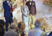 CBA史上首位顶薪球员张骋宇近日大婚,多位主帅与球员到场祝贺,你怎么看?