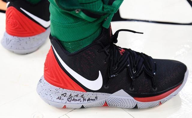 今年欧文五代篮球鞋最骚的20种配色