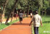 快速步行者是否更长寿?