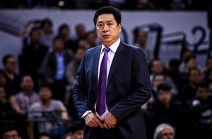 广厦男篮休赛季将迎巨变,李春江两名得力助手相继离任