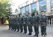 中国男篮球员不训练搞军训,你认为是否有必要?还是多此一举?