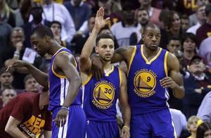 NBA被低估的超级巨星,从不被看好,却走到了联盟的最顶端?
