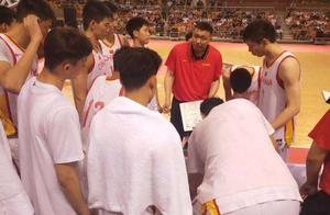 U19男篮惨败张劲松受质疑,男篮主帅李楠之子的表现让人欣慰