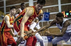 中国男篮比首战输得更惨,狂输63分送29次失误,球迷:此人该换了