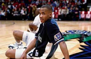 马布里13年NBA生涯,赚了1.5亿,那他9年CBA赚了多少?