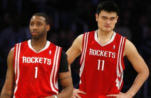 有哪些中国篮球名将在NBA留下了深深的足迹?