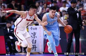 联赛四连胜!广东宏远卫冕的最大对手浮出水面,不是辽宁