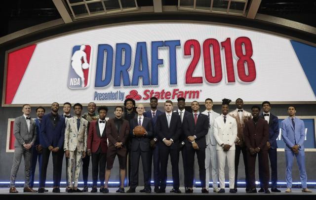 东方拆局不会打篮球也能参加选秀?这是一位球迷令人羡慕的实在故事