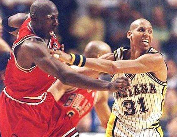 NBA真的让步了吗?比照这四个十年最佳一阵,或许你心中就有答案