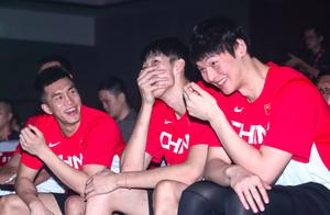 杨毅和苏群,他俩对待中国篮球的态度,为什么截然不同?
