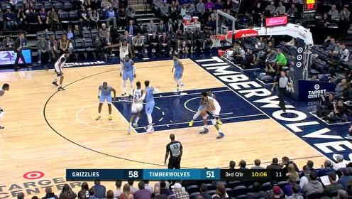 唐斯背身碾压推至篮下 利落转身失衡上篮2+1