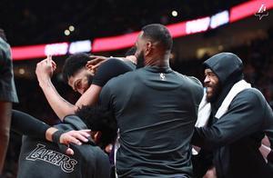 库克:我打过总决赛,隆多:我对抗过詹姆斯,浓眉:你们高兴就好