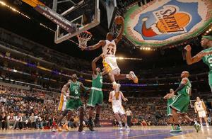 """科比老詹也有这么差的表现,NBA超巨场上的""""黑暗""""时刻"""
