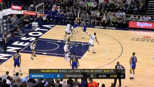 伯克斯突然启动直插腹地 接过克里斯击地妙传上篮打进