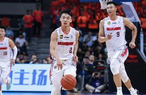 男篮又现天才球员,出场仅12分钟就轰17分,未来能否进杜峰法眼?