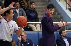 啥情况!中国男篮主帅遭正式禁赛,将缺席关键1战,或申请复议