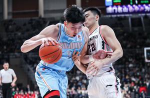 新疆赢了辽宁吗?没有,新疆飞虎只是赢了比赛,却失去了压制……