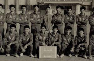 南派足球名将录:70年代广东队重炮手,禤洁球
