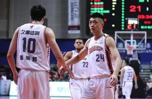 上赛季伤病更严重,上海战绩反而更好,原因有2点,和李秋平无关