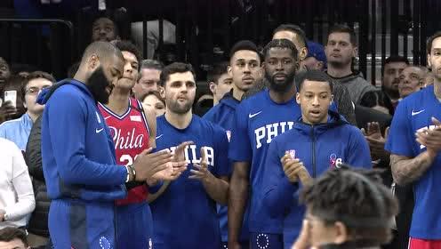 全场起立缅怀科比!76人开场送24秒违例致敬已去天堂的费城男孩