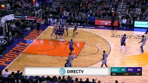 直面乌布雷布克两人夹击 布里奇斯闪转腾挪上篮得手