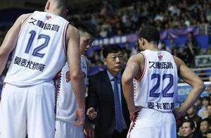 单外援作战,上海却迎来季后赛曙光,李根复出能否拯救李秋平?