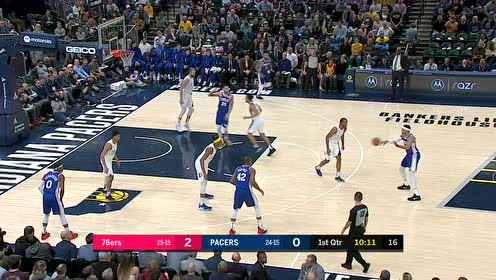 西蒙斯接球1V2顺势放进 再来暴起补篮拿下双杀