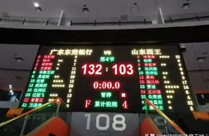 杜锋打造的广东队缘何四杀山东狂胜74分?先进体系凌驾于联盟之上