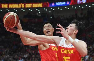 """王哲林""""偷师""""王治郅,两战95分26篮板,有望力压易建联当选MVP"""