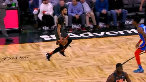 防我你怕了吗 迈卡威横冲直撞强顶上篮打成2+1