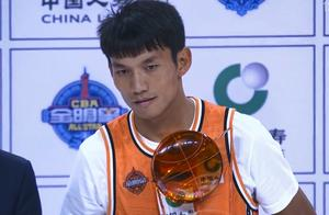2020全明星CBA扣篮王诞生,中国第一扣将太猛,领奖时他流泪了