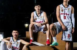 杜峰又挖掘出一外线神射手,三分球命中率50%,广东男篮最高