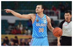 休赛期后宏远新疆的阵容必将更完善,但他的回归将决定冠军归属