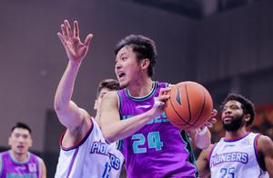 合同年迎爆发,王汝恒值得山东男篮续约,下赛季有望延续神奇